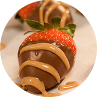 Peanut Butter 'n' Chocolate Dipped Strawberries / Stoberi Celup Peanut Butter dan Chocolate